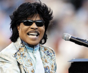 **FILE** Little Richard performs during halftime at the Liberty Bowl in this Dec. 31, 2004 file photo in Memphis, Tenn. Little Richard built some goodwill in his hometown when he donated almost half of his concert fees to settle concerns over who was paying the tab for his show Saturday, Oct. 8, 2005. (AP Photo/Mark Humphrey, File)